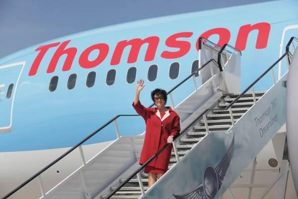 dreamliner boeing 787 landing manchester 4