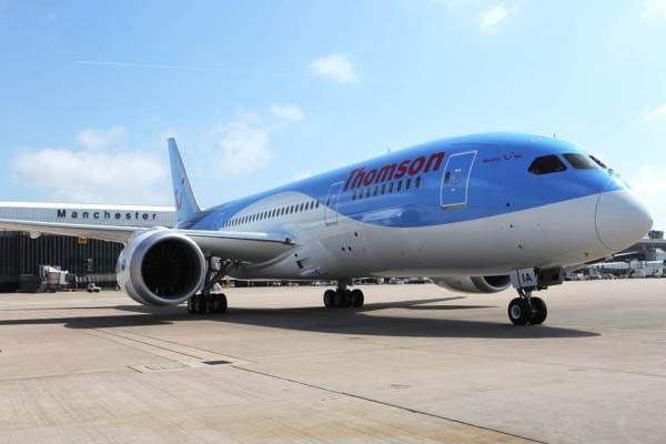 dreamliner boeing 787 landing manchester3