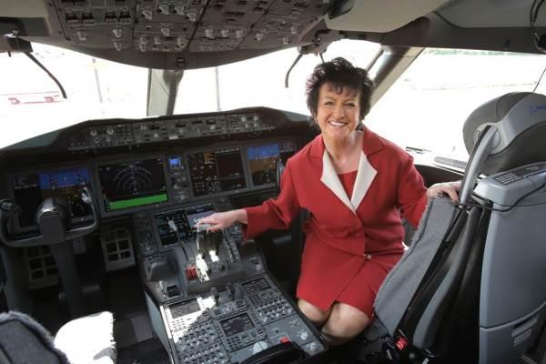 dreamliner inside boeing 787