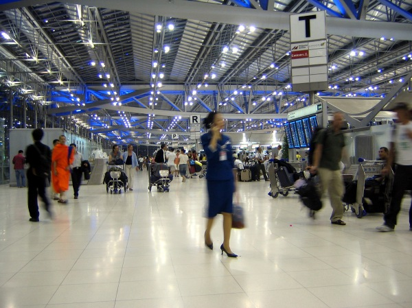 Suvarnabhumi_Airport_Departures_Hall_Bangkok_Thailand
